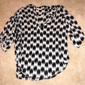 Cute black and white patterned top size small